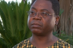 ricardo-outside-looking-left