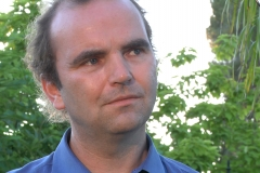 richard-outside-looking-right